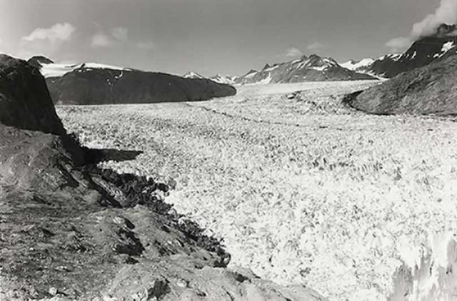 © by glaciologist William O. Field