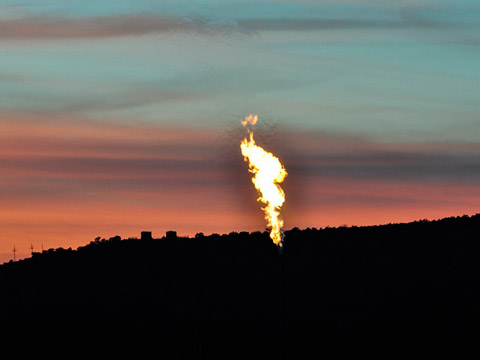 flaring-shale-oil_mike-eisenfeld-wildearth-guardians-800